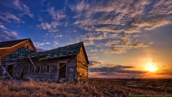 Old house is in the sunset